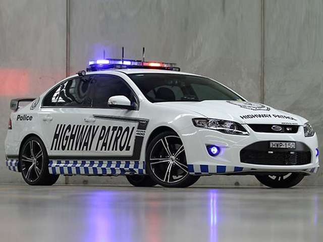 ford-falcon-gt-police-car-2